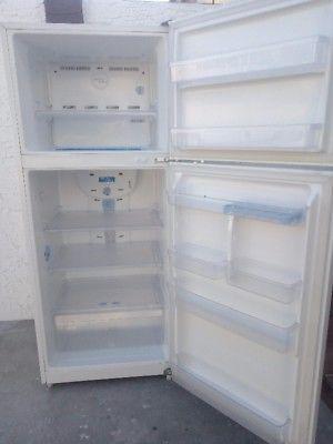 Vendo refrigerador seminuevo