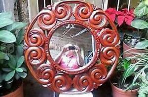 marcos tallados en madera