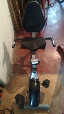 Bicicleta fija reclinable