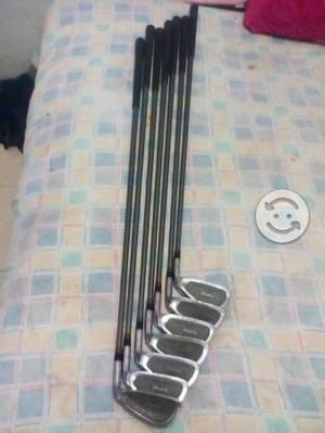 Set de 7 palos golf marca PINSEEKER made in usa