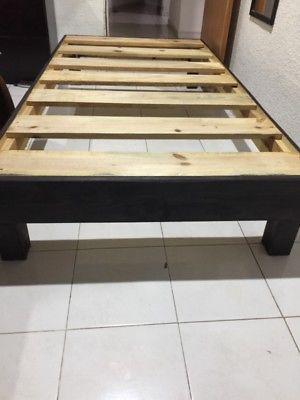 Vendo base de cama individual doble posot class for Base para cama individual precios