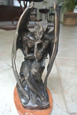 Satan, escultura de bronce por JJ Feuchere