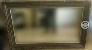 Espejo y mueble de madera