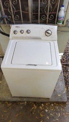 Lavadora 14 kg Whirlpool, TV 32 pulg con roku, mueble TV,