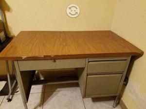 Escritorio y mueble para compuadora