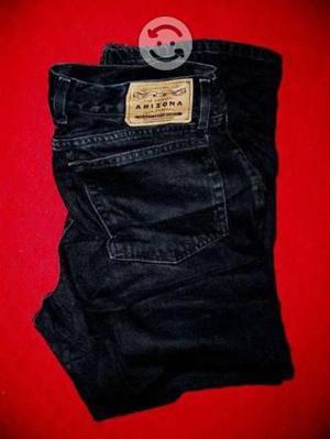 Jeans rectos y relax color negro talla 36x30