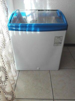 Vendo Congelador con puertas de cristal