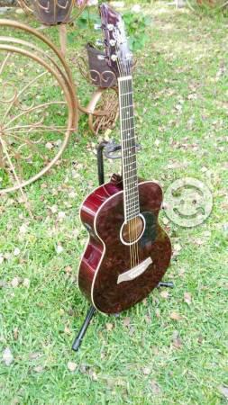 Guitarra nueva electroacustica color guinda