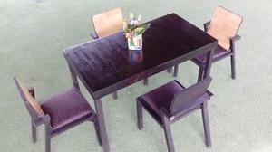 Antecomedor con 4 sillas