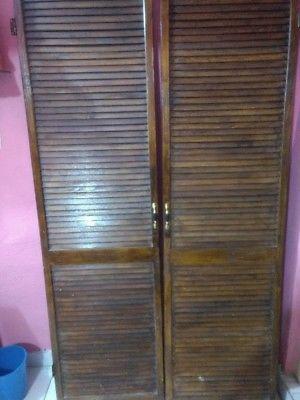 Roperos y tipo closet en monterrey posot class for Closet de madera monterrey