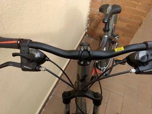 Bicicleta de montaña Liv (Giant) R 27.5. se utilizó 3
