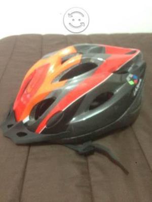 Casco y cubreasiento de gel para bicicleta.