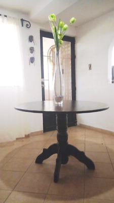 Preciosa mesa redonda de cedro