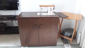 Maquina de coser Singer mod. 242 con Mueble de madera