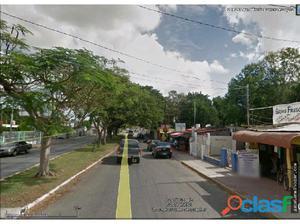 Terreno Comercial sobre avenida en Venta
