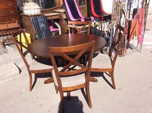 Comedor de 4 sillas usado