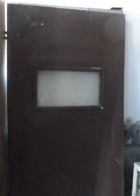 puertas de madera con vidrio para casa o negocio