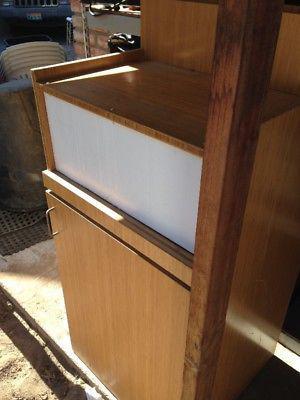 mueble para depositar basura