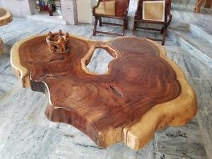Mesa elegante de parota