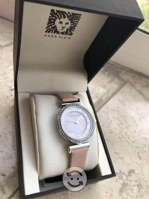 Reloj rosa Anne Klein