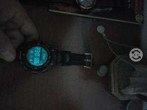 Reloj casio phatfinder