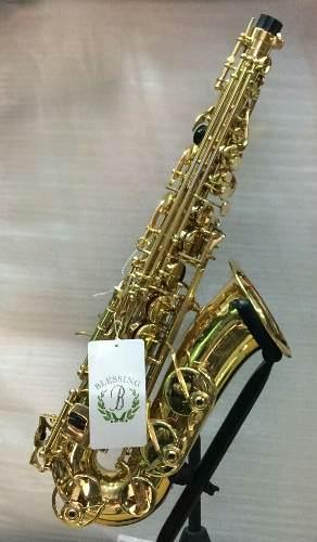 Saxofón Alto Blessing En Mi Bemol