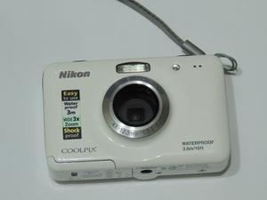 Cámara Nikon Coolpix S Mp Resistente Al Agua 3m