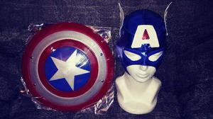 Escudo Chico Y Mascara De Capitan America 30 Cm. Avengers