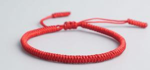 Pulsera Hilo Rojo Tibetana Nudos De Protección.