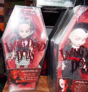 4 Living Dead Dolls Series 10 Y 11 Arachne Con Error O Varia