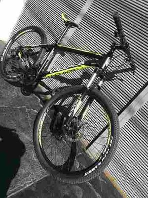 Bicicleta De Montaña Laplace Rodado 26 Con Frenos De Disco.