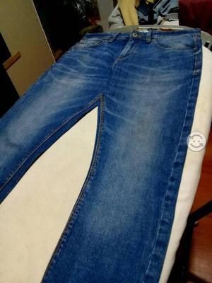 Pantalon Pull&Bear talla 30 Super Skinny fit