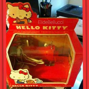 Máquina De Coser  Sanrio Hello Kitty Con Envio