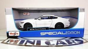 Ford Mustang  Blanco 1/18 Maisto Autos A Escala Metal