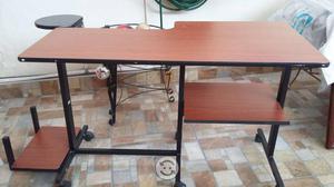 Escritorio y silla secretarial