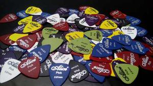 Paquete De 100 Puas Para Guitarra O Bajo Alice Picks 0.81mm