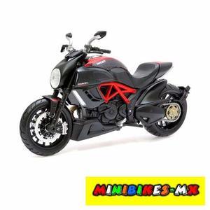 Moto De Colección Nueva Ducati Diavel Escala 1:12 Maisto