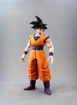 Goku 40 Cm De Alto (para Armar En Papel)