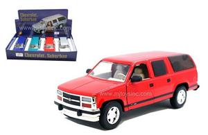 Motor Max  Chevrolet Suburban 1:24 Sunnyside Blue New
