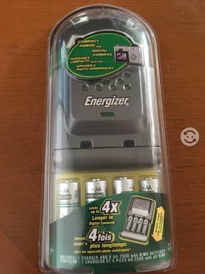 Cargador y pilas recargables Energizer