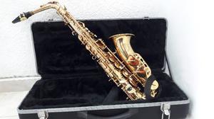 Saxofón Alto Blessing En Estuche