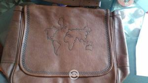 Portafolio o bolso grande de piel