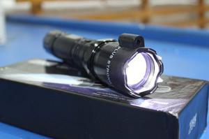 Lampara Tactica Led Descarga Electroshock Toques + Laser+nav
