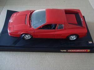 Ferrari Testarossa 1:18