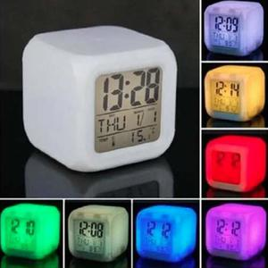 Reloj Despertador Digital Led 7 Colores Intermitentes