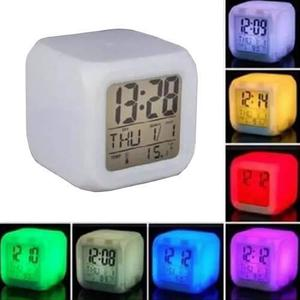 Reloj Despertador Digital Led 7 Colores Intermitentes H