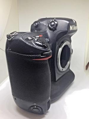 Nikon D2h Cámara Digital Slr, Solo Cuerpo