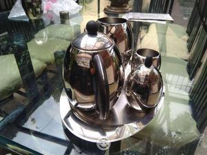 Juego de cafetera-tetera de acero inoxidable nuevo