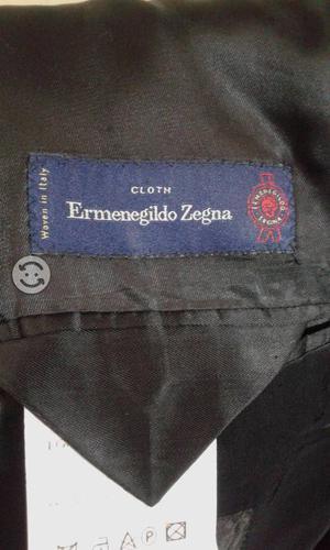 Fino traje original color gris a rayas talla 40 r