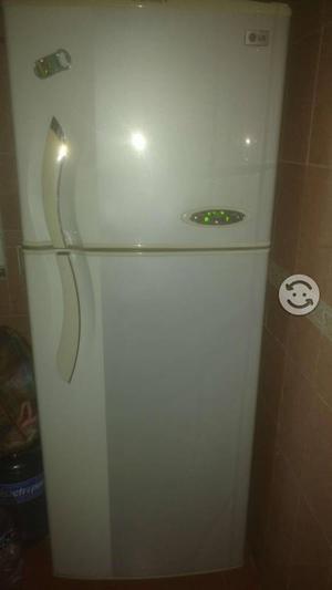 Refrigerador LG en buen estado de funcionamiento